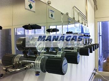 Painel Regulador de Pressão de Segundo Estágio para Gases Especiais